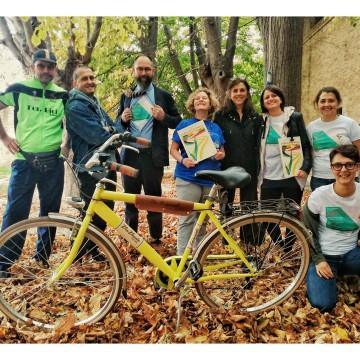 La bicicletta gialla a Fano